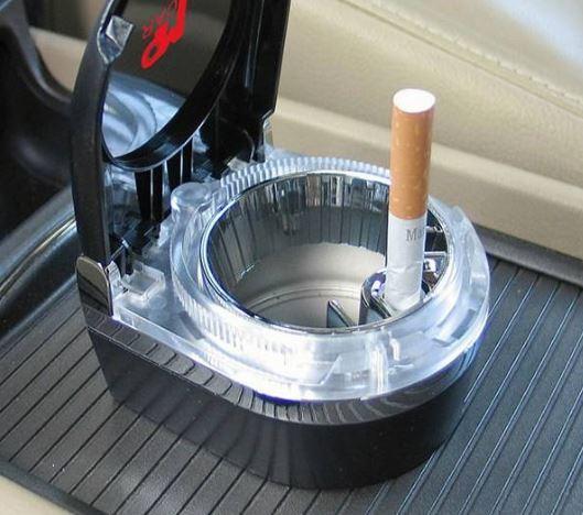 زیر سیگاری داخل خودرو